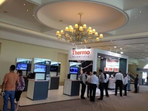 Estande da Thermo, umas das patrocinadoras do BrMass (Foto: Luciene Campos)